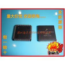 2PCS X MC68HC11E1CFNE3 MC68HC11E1CFNE2 PLCC52 ON