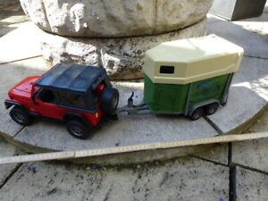 Kinder Spielzeug :Jeep mit Pferdeanhänger