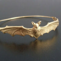 Fashion Womens Bat Bangle Bracelet Wristband Cool Bat Halloween Jewelry Gift