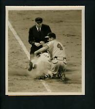 Danny O'Connell Bill Taylor Umpire Tom Gorman 1954 Press Photo Milwaukee Braves