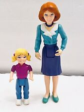 Playskool Dollhouse Mom Purple Skirt Green Blouse & Blonde Girl with Pigtails