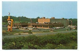 Manassas VA Holiday Inn Postcard ~ Virginia