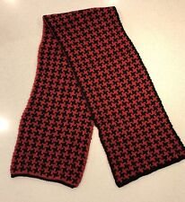 Chunky Wool Dogtooth Scarf - Red/Black