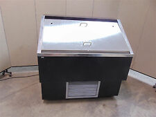 Canadian Display Systems Open Face Cooler 4'  Model RS4248-Works Good-SR236