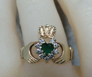 9ct Gold Irish Claddagh Ring. P1/2.  Vintage.  Ref xeod