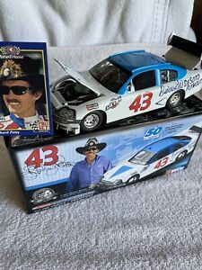 Richard Petty  2008  Charger  Nascar Diecast  1/24  1 of 1143  AUTOGRAPHED