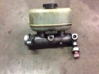 99 00 01 02 03 04 05 FORD F250 F350 SUPER DUTY BRAKE MASTER CYLINDER W/ CRUISE