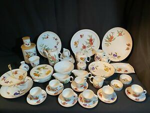A Large Collection of 39 Pieces of Royal Worcester Evesham Fine Porcelain  Lot 1