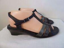 Kumfs Low (3/4 in. to 1 1/2 in.) Heels for Women