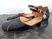 Sandales Vintage Minelli en cuir noir et crème P.37