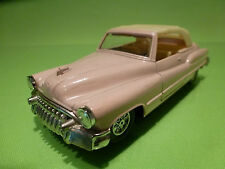 MADE IN CHINA 8804 BUICK CONVERTIBLE - PINK 1:43 - RARE SELTEN - GOOD COND.