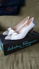 Vintage Salvatore Ferragamo White Leather Bow Pumps 8.5 AAA Made in Italy