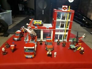lego city fire station 60004, very little use mainly used as a shelf queen