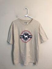 Men's Size Large Tan The Black Dog Tavern Company Big Graphic T-Shirt EUC