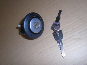 Triumph TR7 TR8 ** BOOT LOCK with new key cut ** PUSH TYPE - YKC4531