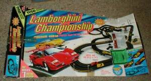 TYCO Lamborghini Championship SLOT CAR Racing Set w/2 Countach Magnum 440 Cars