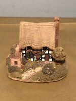 Vintage LILLIPUT LANE HANDMADE CUMBRIA UK Collectible Magpie Cottage