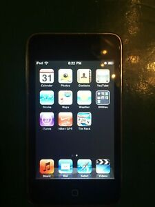 iPod Touch 8GB 2nd Generation A1288 MC086LL/A