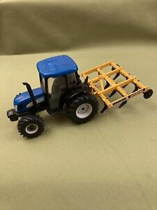 Britains ERTL NEW HOLLAND TN75DA  Tractor Vintage Model With Bomford Plough 1/32