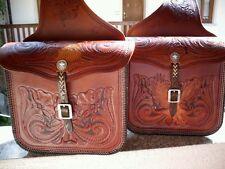 Borse laterali per moto custom in cuoio lavorate a mano in rilievo - Bike Bags