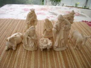 8 Krippenfiguren aus Holz
