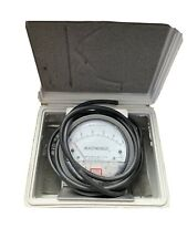 New listing Dwyer Magnehelic W48W Rb Differential Pressure Gauge 0-8 With Case & Hoses