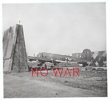 WWII ORIGINAL GERMAN WAR PHOTO LUFTWAFFE AIRPLANES ON AIRDROME ==