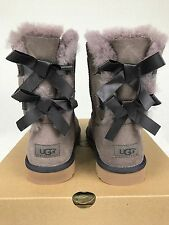 UGG AUSTRALIA BAILEY BOW SHEEPSKIN SUEDE STORMY GREY SIZE 6 Y US NIB Women's 8