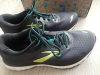 Brooks adrenaline gts20 running trainers Uk 7.5