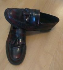 Zapatos loafers castellanos borlas