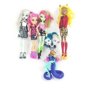 Monster High Peri & Pearl, Clawdia, Ghoulia, Venus & Howleen Dolls Lot of 5