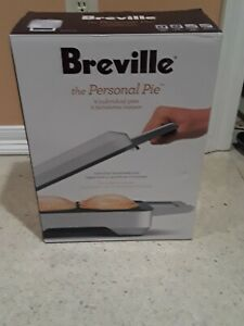NEW Breville THE PERSONAL PIE MAKER 4 Non-Stick Individual Pie Molds BP1640XL