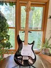Behringer Electric Guitar & Stand Black & White