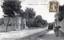 CPA 93 LIVRY LA POSTE (TRAIN DANS LA RUE