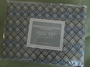 Soft Microfiber sheets. Full.  Set has lat and fitted sheets + 2 pillow cases.