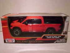2019 Dodge Ram 1500 Crew Cab Rebel Diecast Truck 1:27 Motormax 8 inch Red 1/24