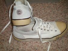 Womens Ugg Tennis Shoes, White, Size 9, style W Evera 1798