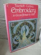 001: Twentieth-century Embroidery in Great Brit... by Howard, Constance Hardback
