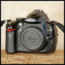 Nikon D5000 Digital SLR Camera + battery + charger + strap FREE UK POST