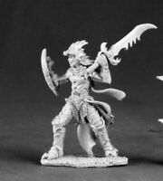 Reaper Miniatures - 03521 - Naline, Evil Female Knight - DHL