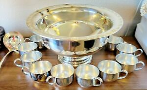 Vintage Oneida Silver Plated Punch Bowl 12 Cups Ladle (Holiday Beauty)