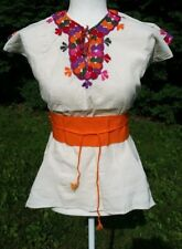 Las Ruedas Mexican Blouse Top Belt Embroidered Flowers Chiapas Ivory Medium V170