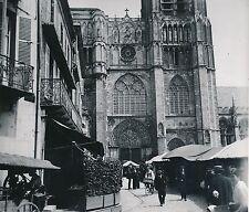 SENS c. 1900-20 - Le Marché  La Cathédrale  L'Yonne - DIV 7295
