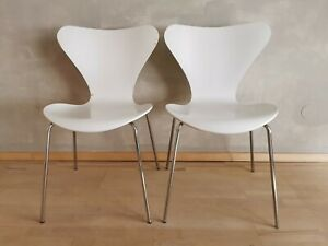 2 x Fritz Hansen 3107, weiß, Arne Jacobsen, im guten Zustand