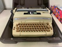 VINTAGE SMITH-CORONA  DEVILLE CARTRIDGE ELECTRIC TYPEWRITER IN CASE EXCELLENT CO