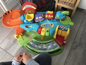 vtech toot toot garage + 4 Cars