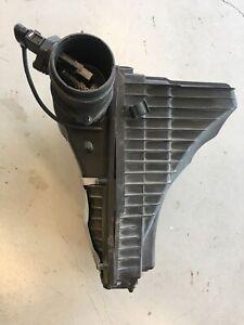 2004-2007 VOLKSWAGEN TOUAREG V6 3.2L AIR INTAKE CLEANER FILTER BOX w/ MAF SENSOR