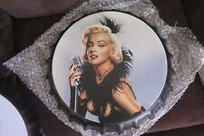 Marilyn Monroe.  33 cm bottle top   tin metal sign MAN CAVE brand new