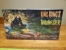King Kongs Thronester Polar Lights, Open Box, Sealed Parts playing Mantis