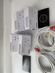 Netcomm NP204 Pair of 4 Powerline Adapter AC Pass-through & 4x Network Cables